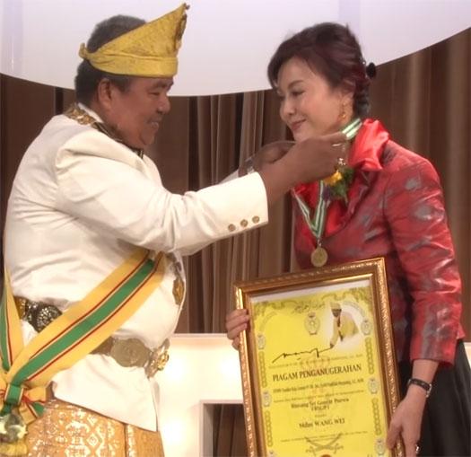 charter-award-usfia-investor-ammine-pageant2-singapore-sep-2015
